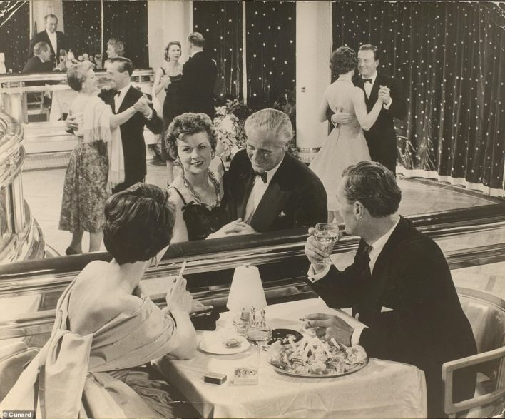Not a conga in sight: The Verandah Grill on the Queen Mary in the 1960s