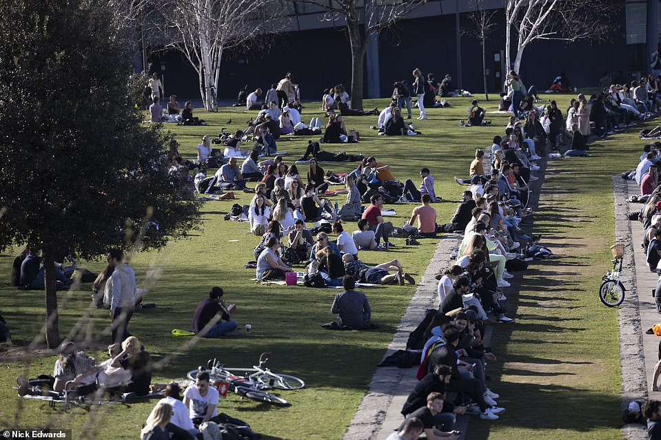 Crowds can be expected to return to London's parks, including Potters Fields, for most of this week as the sunshine continues
