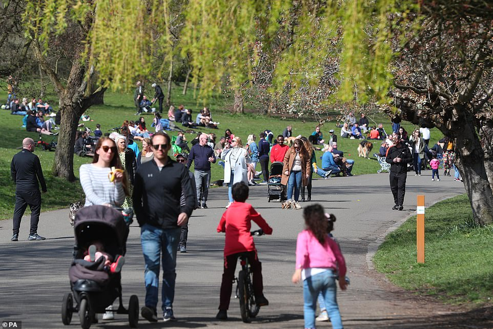 Hundreds made their way to parks for an Easter Sunday walk as the sun shone today, on the first weekend since covid restrictions were eased