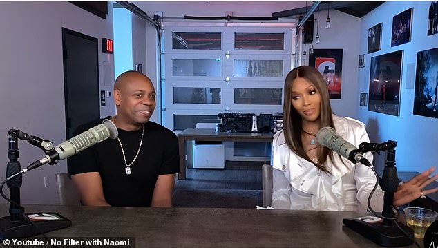 Dave Chappelle told Naomi Campbell that he saw celebrities writing notes in White House offices during President Obama's final White House party