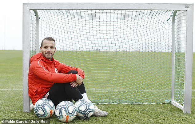 The 35-year-old striker feels right at home at Granada as his career enters its final phase