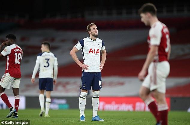 Agüero aún podría convertirse en el reemplazo de Harry Kane como Spurs, ya que considera seguir adelante
