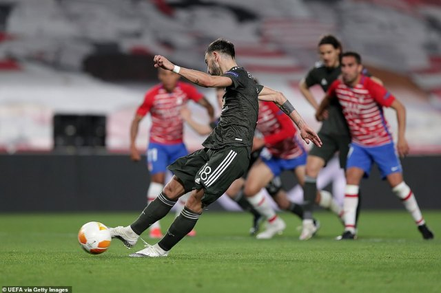 Bruno Fernandes stepped up after United were awarded a late penalty and squeezed the effort from 12 yards into the corner