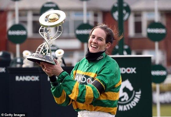 Rachael Blackmore membuat sejarah setelah menjadi joki wanita pertama yang memenangkan Grand National