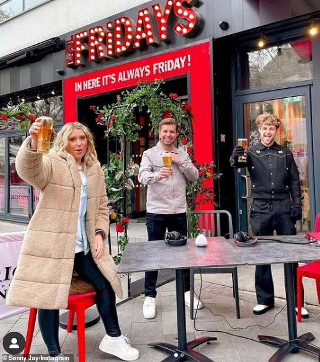 Clink!Dancing On Ice winner Sonny Jay joined Tom Grennan and Ella Henderson for an early-morning pint in Leicester Square