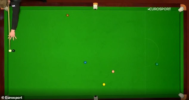 Heathcote appeared to be in a corner he could not get out of with the cue ball behind the black