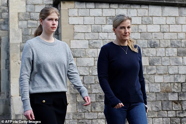 Sophie and Louise wore dark colours to look at the flowers this morning, they are pictured outside Windsor Castle