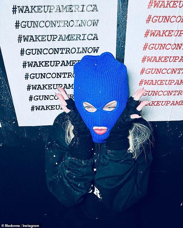 On several occasions, the Rebel heart singer covered her face with her blue beanie cap