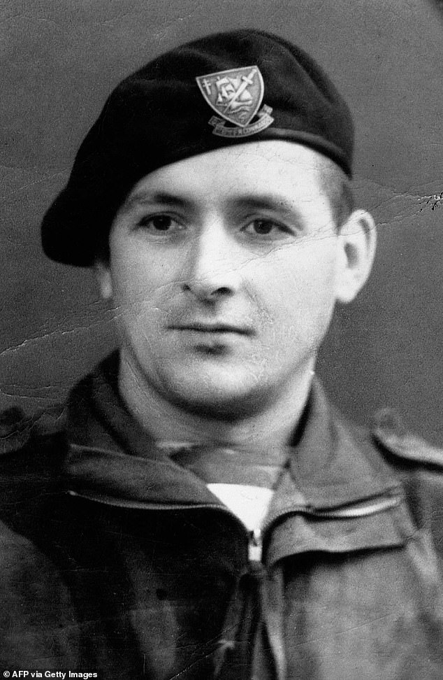 Faure had been imprisoned in 1940 but escaped and reached England where he joined the Free French Forces.