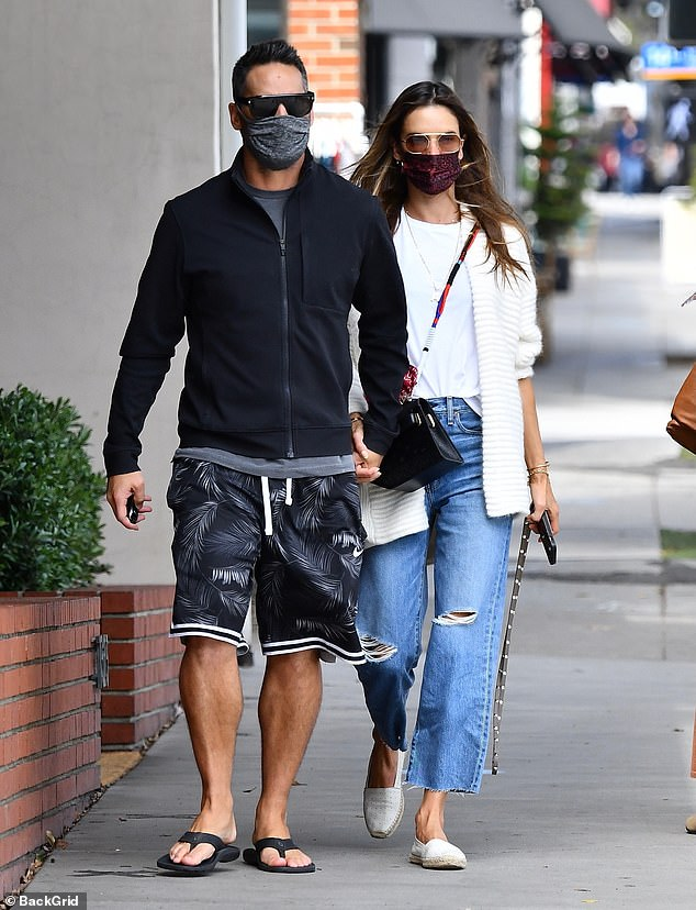 Sweet: Alessandra Ambrosio gave a beloved presentation with her beau Richard Lee on Wednesday afternoon