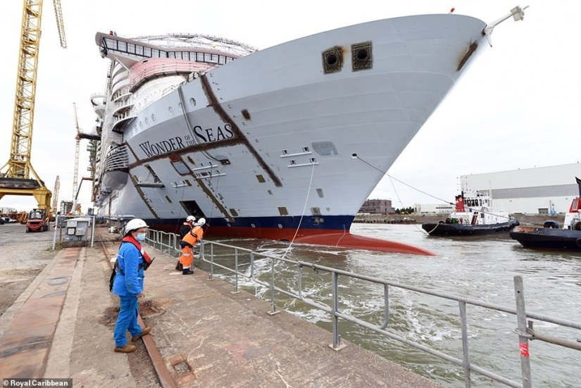 Wonder of the Seasis 1,188ft (362m) long, 210ft (64m) wide and weighs 236,857 tonnes. It features a total of 18 decks, 2,867 staterooms and will accommodate up to 6,988 guests