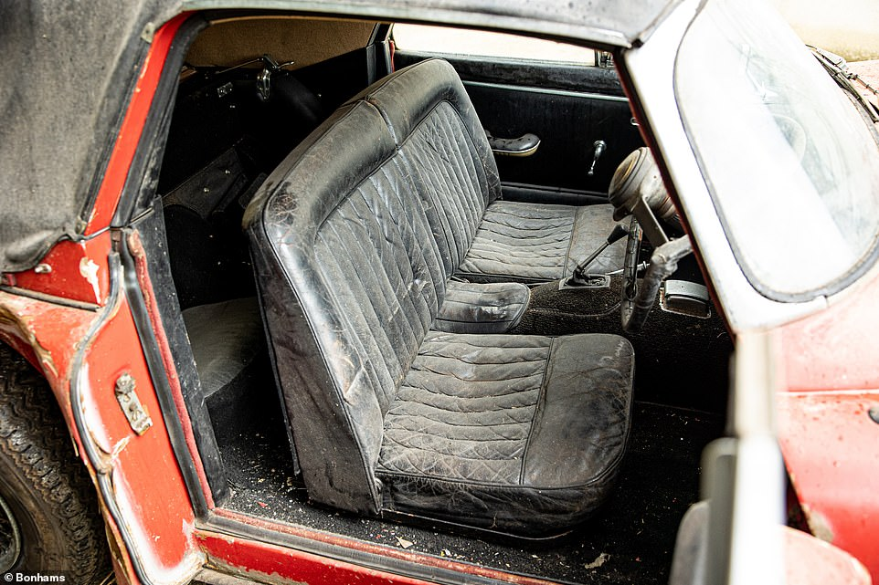 Bonhams says the leather interior is all original, which comes as little surprise given that the car hasn't been sat in for 25 years