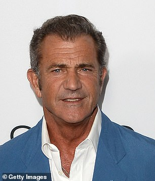 Mel Gibson appears comfortably taller on screen and in publicity stills, though he is an inch shorter
