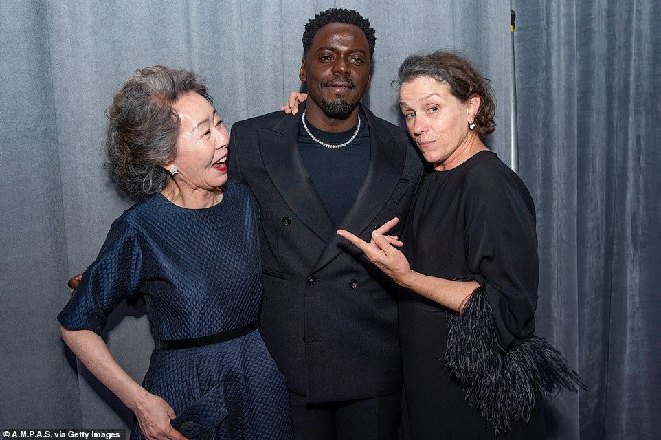 Snapshot: Fresh of his win, British actor Daniel was seen posing up a storm with (L-R)Yuh-Jung Youn and Frances McDormand