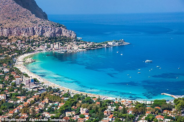 ITALY: Britain is pushing for vaccinated Brits with Covid passports to be able to holiday freely by the end of June