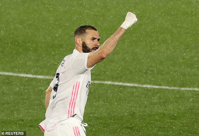 Karim Benzema celebrates after scoring an excellent goal in Real Madrid's draw with Chelsea