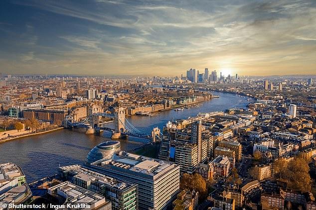 Muchos ya han reservado para viajar a Londres este verano, según Skyscanner.