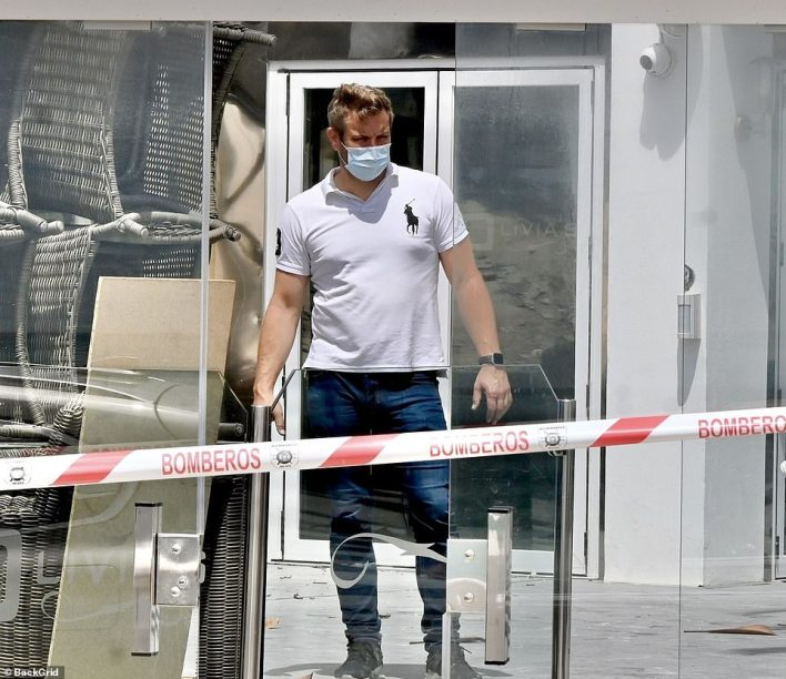 Elliott Wright has thanked fans for sending him 'thousands upon thousands' of supportive messages after the former TOWIE star's restaurant Olivia's was ripped apart by a devastating fire on Spain's Costa Del Sol
