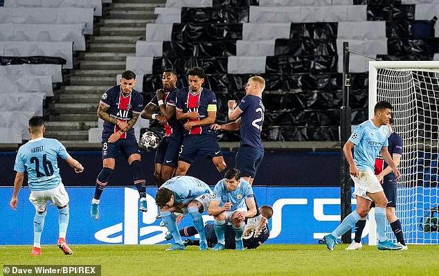 Riyad Mahrez's free kick went through the wall to give Manchester City a 2-1 lead
