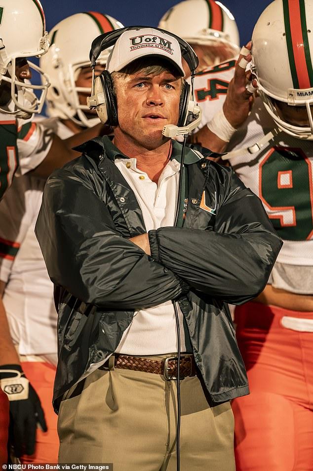 Inspiración: El entrenador de la vida real Erickson se convirtió en entrenador en jefe de la NFL.