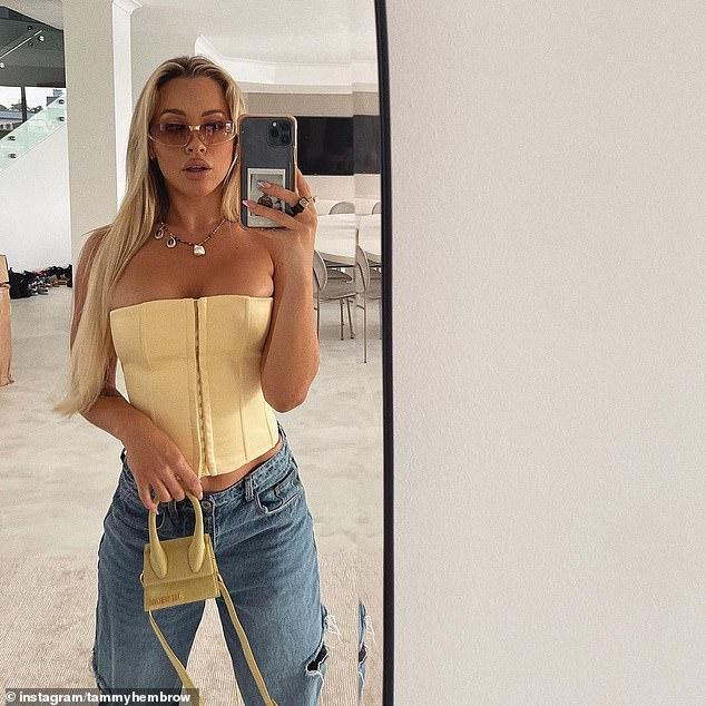 Bombshell: Tammy usó jeans Fendi, que cuestan alrededor de $ 1,400, que combinó con un corsé Danielle Guizio que cuesta $ 180