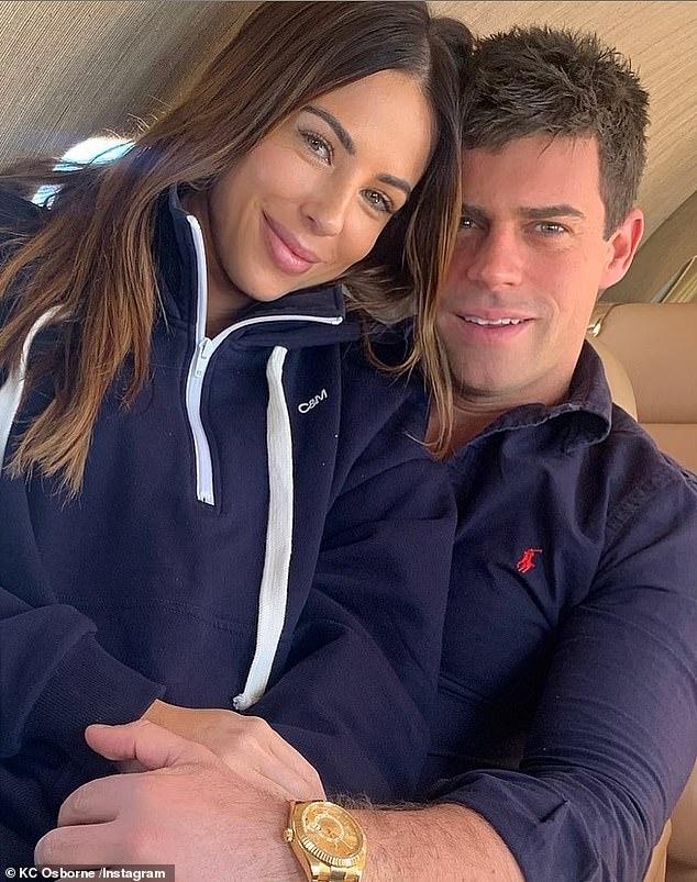 `` No he podido abrirme al amor '', dijo después de su separación con su coprotagonista en la foto con Michael en julio de 2020.