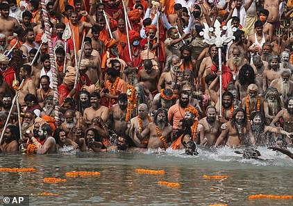 A Hindu festival goes ahead despite rising cases in April 2021
