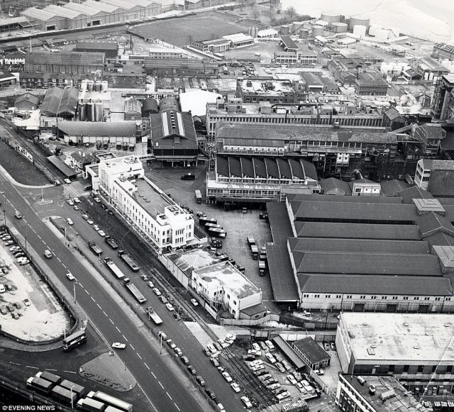 The Tate & Lyle sugar refinery can be seen from above in 1974. Much of the area fell into dereliction following the Second World War