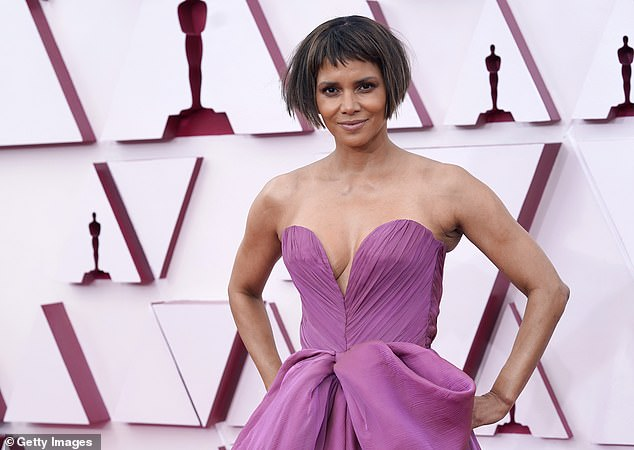 The latest:Halle Berry, 54, took to Twitter Thursday to respond about buzz about the bob haircut she wore at Sunday's Academy Awards