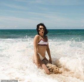 Jessie J sizzles in cute bikini