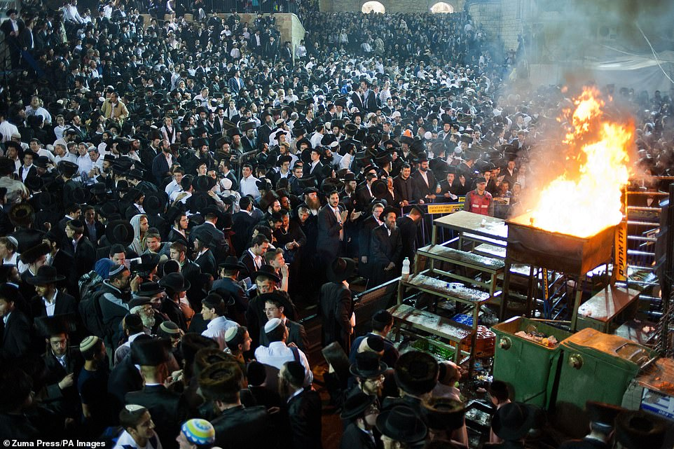 Hundreds of thousands or worshippers are seen gathering at the festival in May 2011.Ex-comptroller Micha Lindenstrauss, who wrote a report from 13 years ago, said safety features were lacking in preventing overcrowding