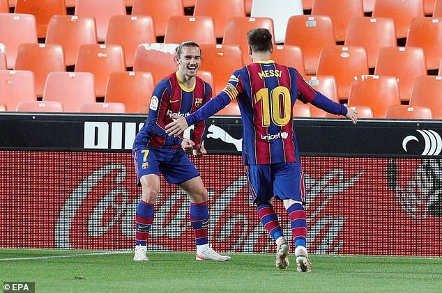 Lionel Messi (right) and Antoine Griezmann (left) scored in their 3-2 victory against Valencia