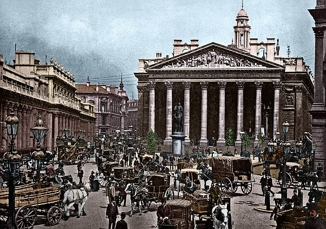 Historic: The Royal Exchange (right) and Bank of England (left) at the turn of the century