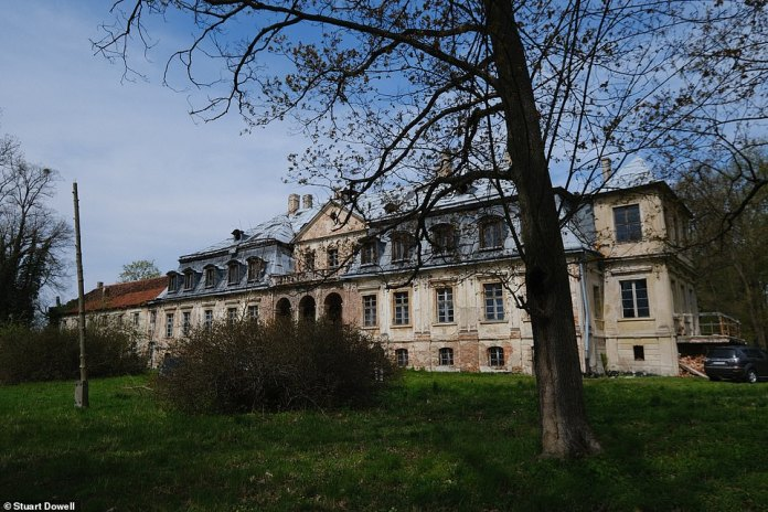 The palace in Minkowskie is the first of 11 sites identified in the documents as a place where the treasure may have been hidden