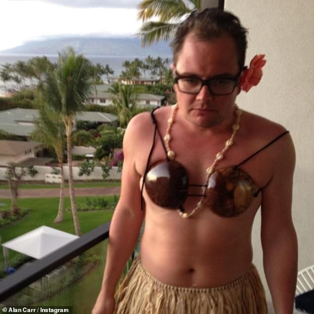 Throwback:Alan Carr was pining for a trip abroad as he shared a hilarious throwback snap of himself while restrictions are beginning to loosen