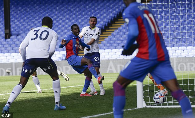 Tyrick Mitchell scored an 84th-minute winner to give Crystal Palace a 3-2 win over Aston Villa