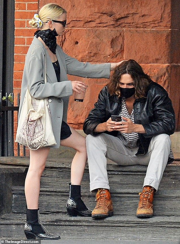 Anya Taylor-Joy can't hide her smile as she and new beau Malcolm McRae pack  on the PDA across NYC - Latest Celebrity News