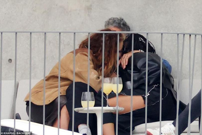 Cosy: Rita then shared the love as she moved over her beau and got closer to Tessa