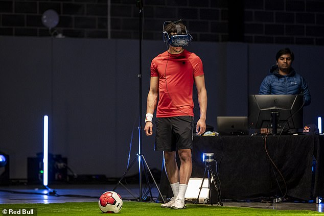 Alexander-Arnold's work included AVTS Vision Tests, neurotrainer sessions and even juggling