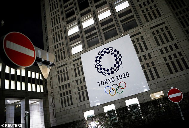 Health experts from America and Japan warn that the 2021 Olympic Games could cause a large COVID-19 outbreak. American experts fear that the IOC's playbook for dealing with potential outbreaks at the games is not sufficient