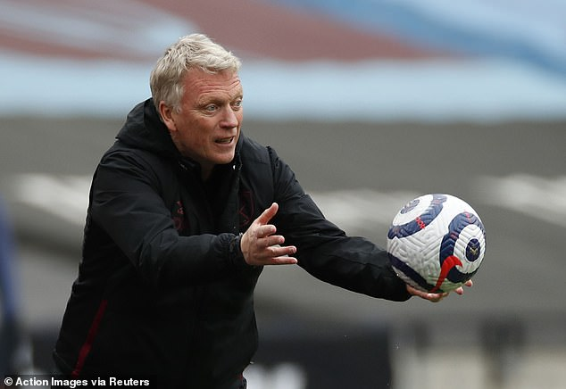 Moyes explains that the staff at the club have done their best to all push in the right direction