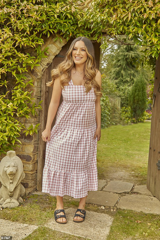 Check me out! She was looking amazing in a gingham number