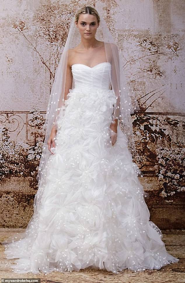 A £ 8,050 Holly dress by Monique Lhuiller can be rented from £ 119 per day or purchased for £ 3,000