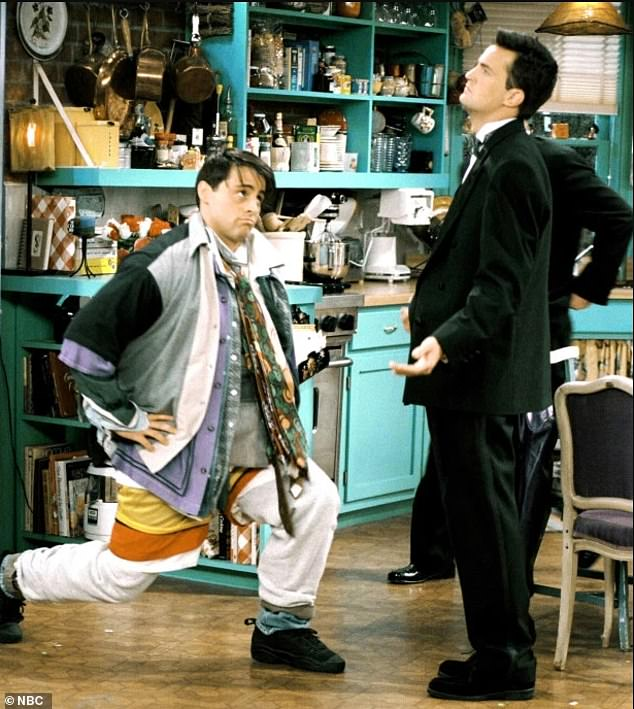 Classic scene: Matt LeBlanc and Matthew Perry in the episode titled 'The One Where No One's Ready' from 1996, which appears to have been an inspiration for pop singer Rihanna