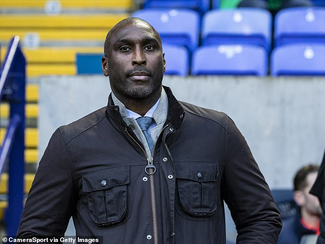 Sol Campbell has offered his help to England, specifically to work with the central defenders
