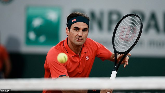 Roger Federer withdrew from the French Open in a bid to mount a Wimbledon title challenge