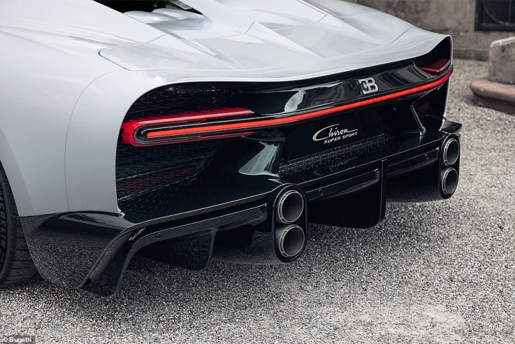 The shift to a longer shell - and to make way for a larger diffuser - means the exhaust tips have had to be repositioned to the side