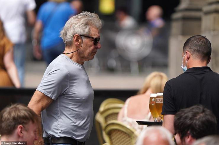 In plain sight: The star was mingling with pubgoers as he looked for a place to eat