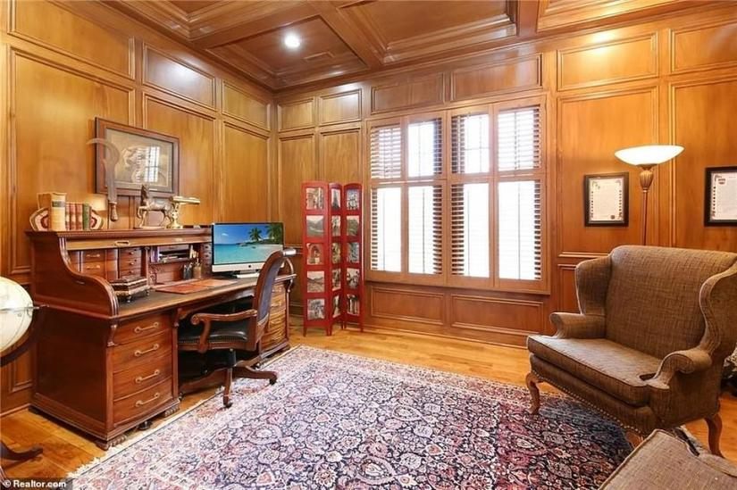 The former Vice President will be able to work on plans for his rumored 2024 presidential run in his new spacious study with wood paneling and a fireplace
