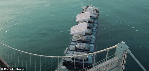 The nature of the sails and their telescopic mast enable ships to easily clear bridges